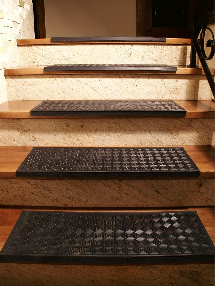 Коврики на ступени лестницы – удобно, безопасно и красиво