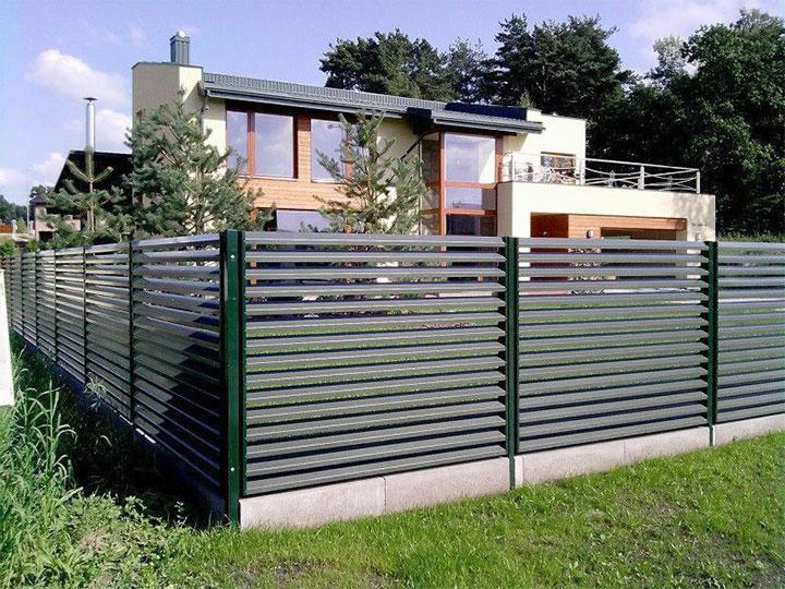 Забор-жалюзи металлический: как создать красивое и прочное ограждение – советы по ремонту