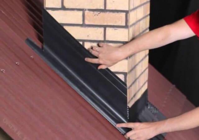 Проход дымохода через кровлю или крышу в бане: своими руками