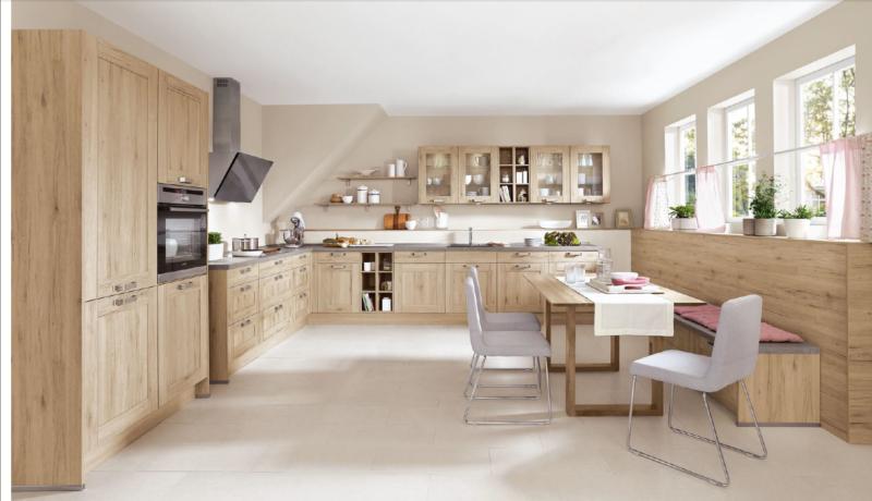 Белая кухня с деревом (59 фото): глянцевый кухонный гарнитур с белым верхом и деревянным низом, варианты с деревянными вставками в современном дизайне интерьера