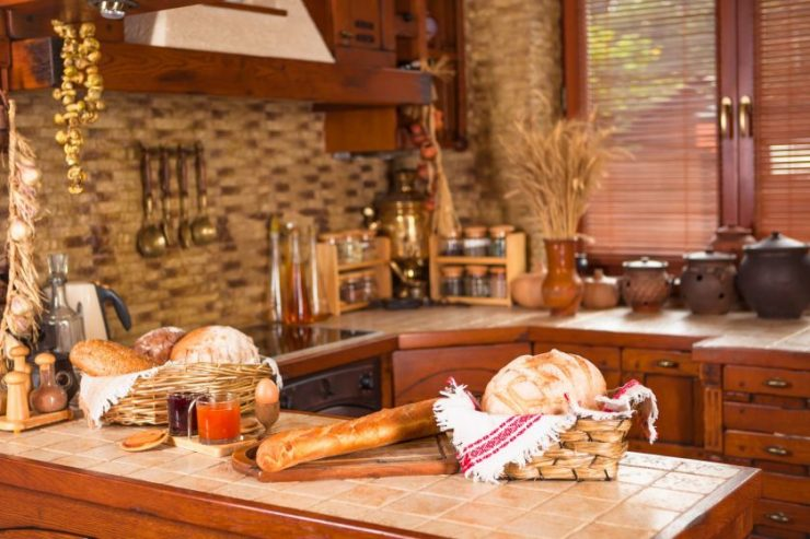 Дизайн кухни-столовой и гостиной в частном доме: нюансы объединения и планировки пространства