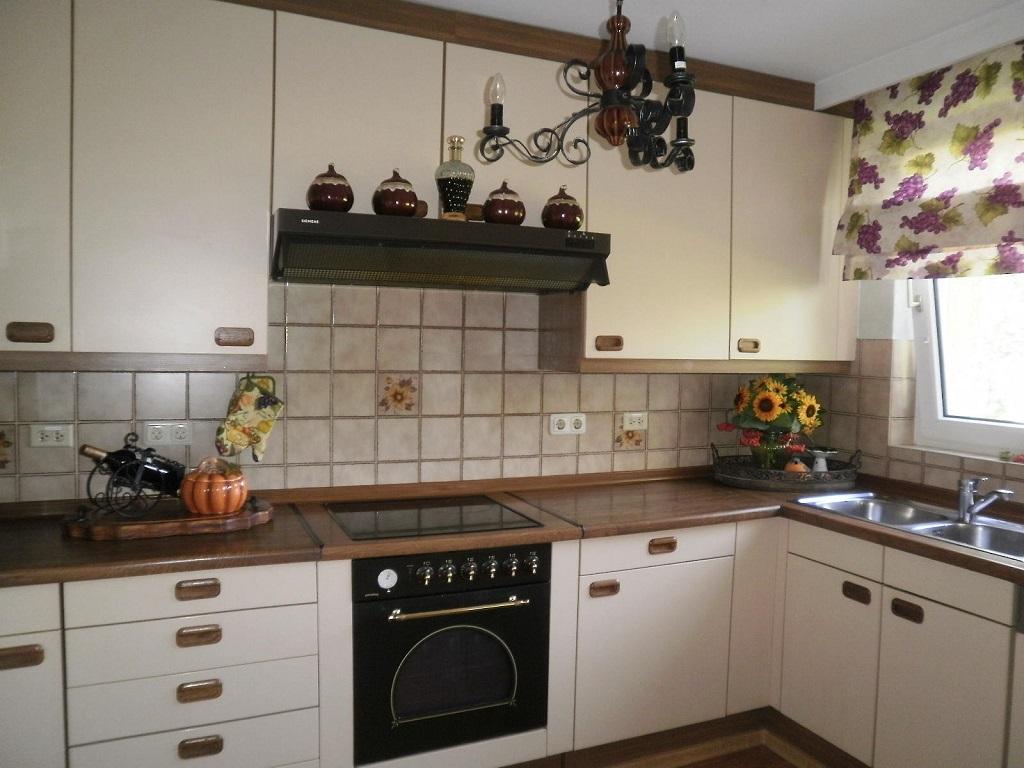 Какой материал выбрать для оформления кухонного фартука под кирпич?