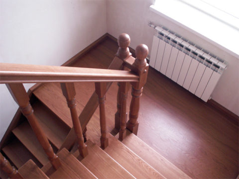 Отделка бетонной лестницы деревом: облицовка ступеней, как обшить