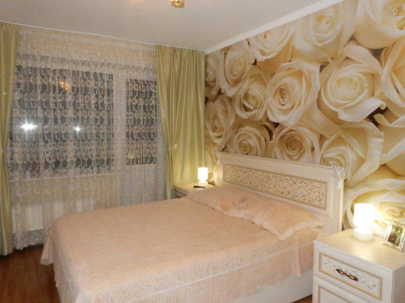 Интерьер спальни в светлых тонах со светлой мебелью: современный дизайн, фото 2020