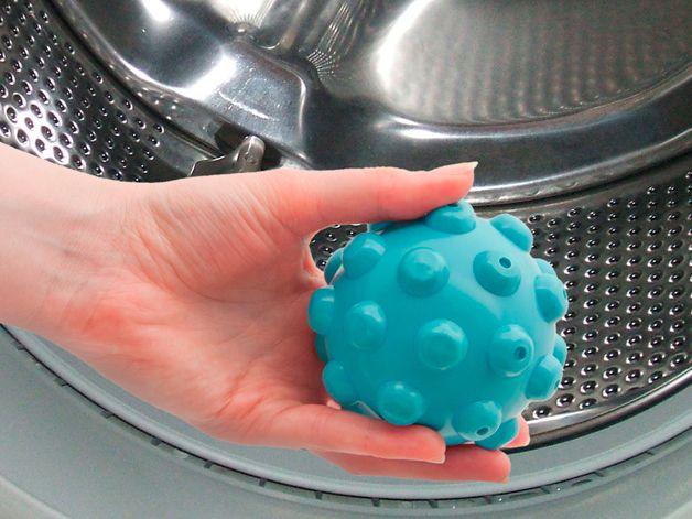 Как правильно использовать специальные шарики для стирки пуховиков