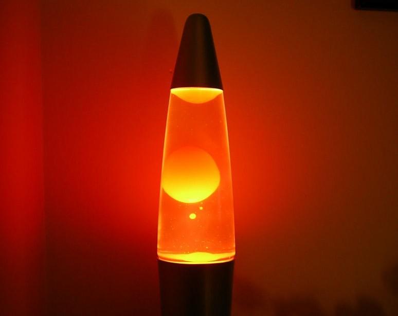 Состав лава-ламп компании не любят разглашать. на самом деле их лучше не открывать