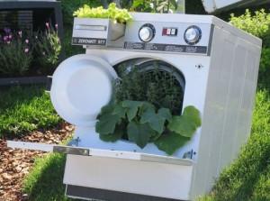 Что можно сделать из старой стиральной машины и холодильника