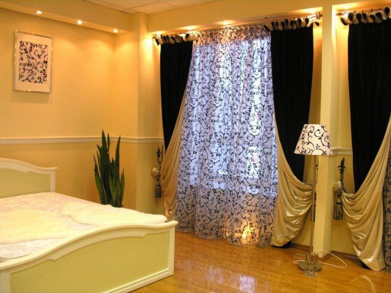 Шторы в интерьере спальни - 200 фото новинок дизайна и красивого сочетания