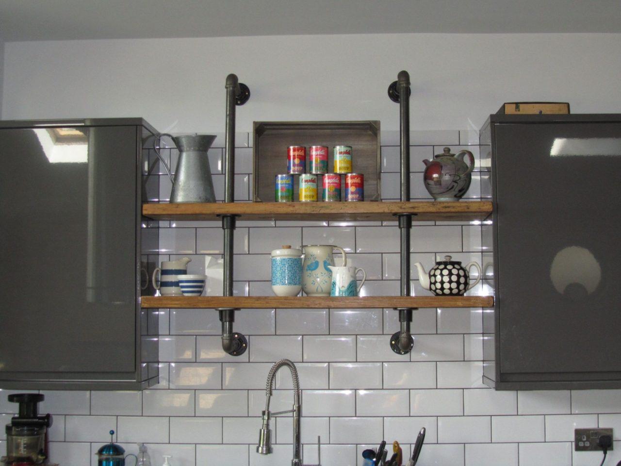 Как скрыть газовую трубу на кухне – возможные варианты маскировки и декорирования