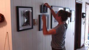 Виды креплений для картин на стену без сверления
