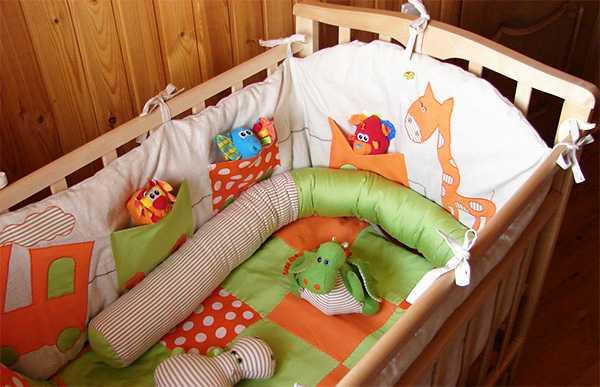 бортики в кроватку для девочек