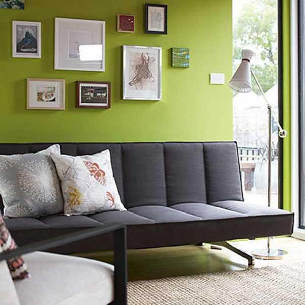 темно зеленый диван в интерьере