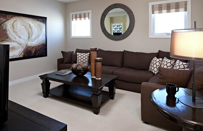 Коричневые обои (49 фото): какие цвета мебели подобрать под однотонные оттенки стен, варианты с узорами на темном и золотом фоне в интерьере