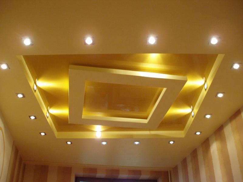 Потолок из гипсокартона с подсветкой (63 фото): гипсокартонный парящий потолок, подвесная конструкция с бортиком в спальне
