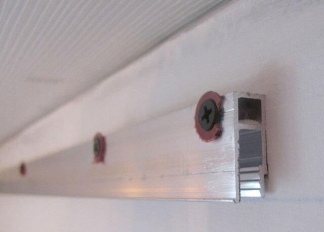 Сколько сантиметров забирает натяжной потолок?