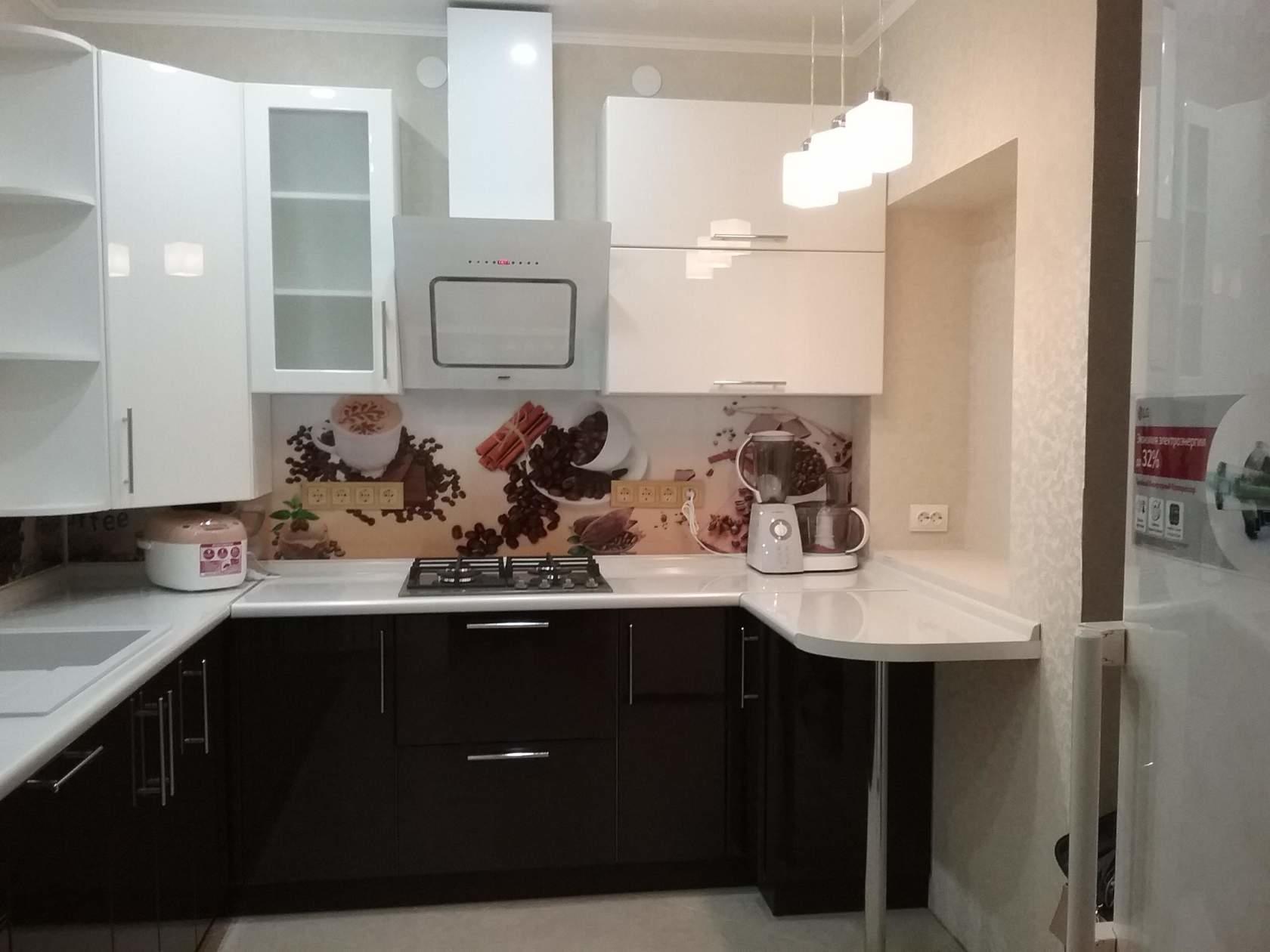Оформляем фартук на кухне: виды и материалы (95 фото)