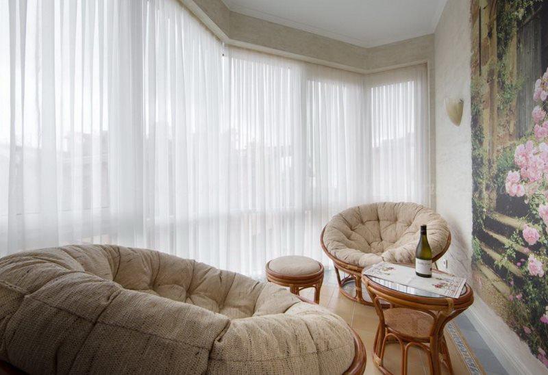 Шторы из льна в интерьере спальни, гостиной и кухни: занавески и тюль   - 31 фото