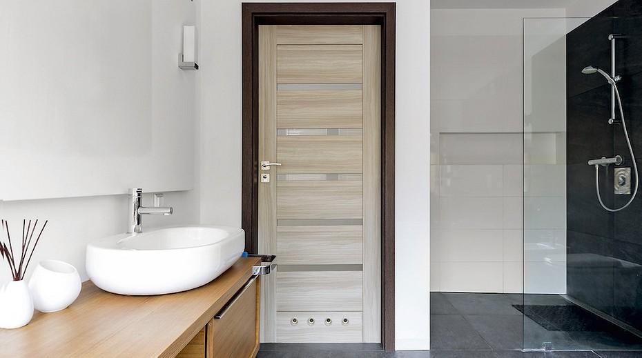 двери в ванну и туалет