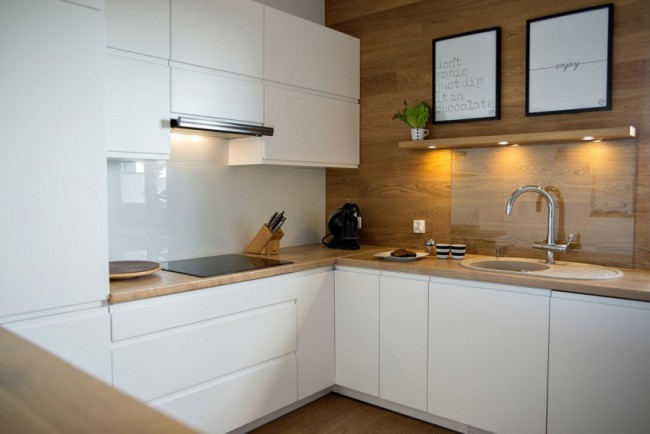 стеновая панель для кухни стекло