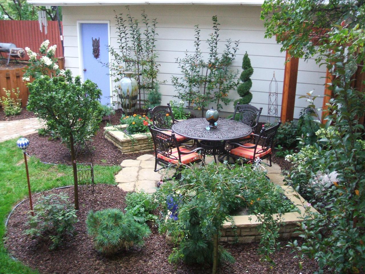 Ландшафтный дизайн 2,3,4 и 5 соток земли: оформлени и декор, высадки деревьев и кустов