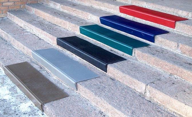 Как выбрать коврики на ступени лестницы