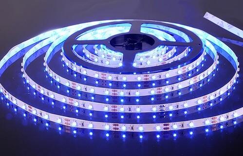 Подсветка потолка светодиодной лентой - практично и функционально