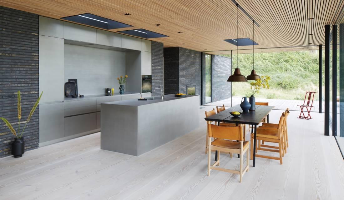 Дизайн кухни в частном доме: как правильно распланировать обустройство своими руками, проекты с окном и небольшой кладовкой, виды кухонь
