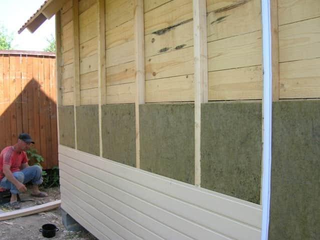 Как сделать деревянный гараж своими руками?