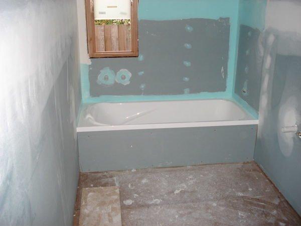 Можно ли обшить ванную комнату гипсокартоном и наклеить плитку