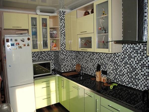 Кухни с вентиляционным коробом в углу (32 фото): как можно закрыть трубы? дизайн угловой шахты в интерьере