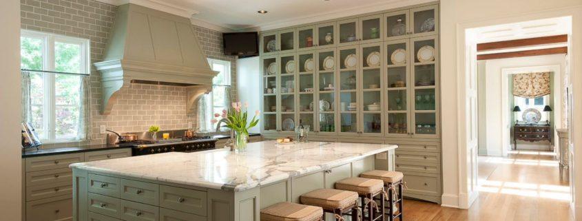 Особенности дизайна кухни 14 кв. м: идеи для интерьера средней площади