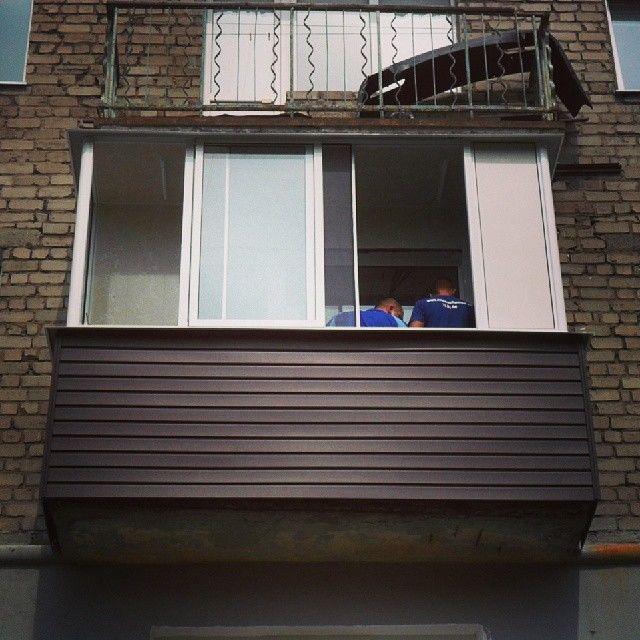 Остекление балконов (95 фото): виды застекленных балконов. облегченное балконное остекление профилем, частичное и фасадное, витражное и другие варианты