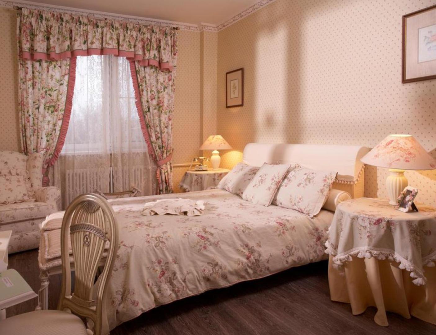 Покрывала для спальни — лучшие модели, рекомендации по выбору материала и стиля (80 фото)