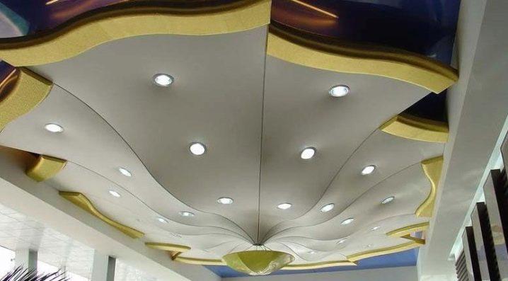Натяжные потолки с картинами 3d