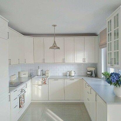 Кухни икеа в интерьере: готовые решения, реальный дизайн с деревянной столешницей, декор металлической, зеленой, синей и белой маленькой кухни  - 22 фото