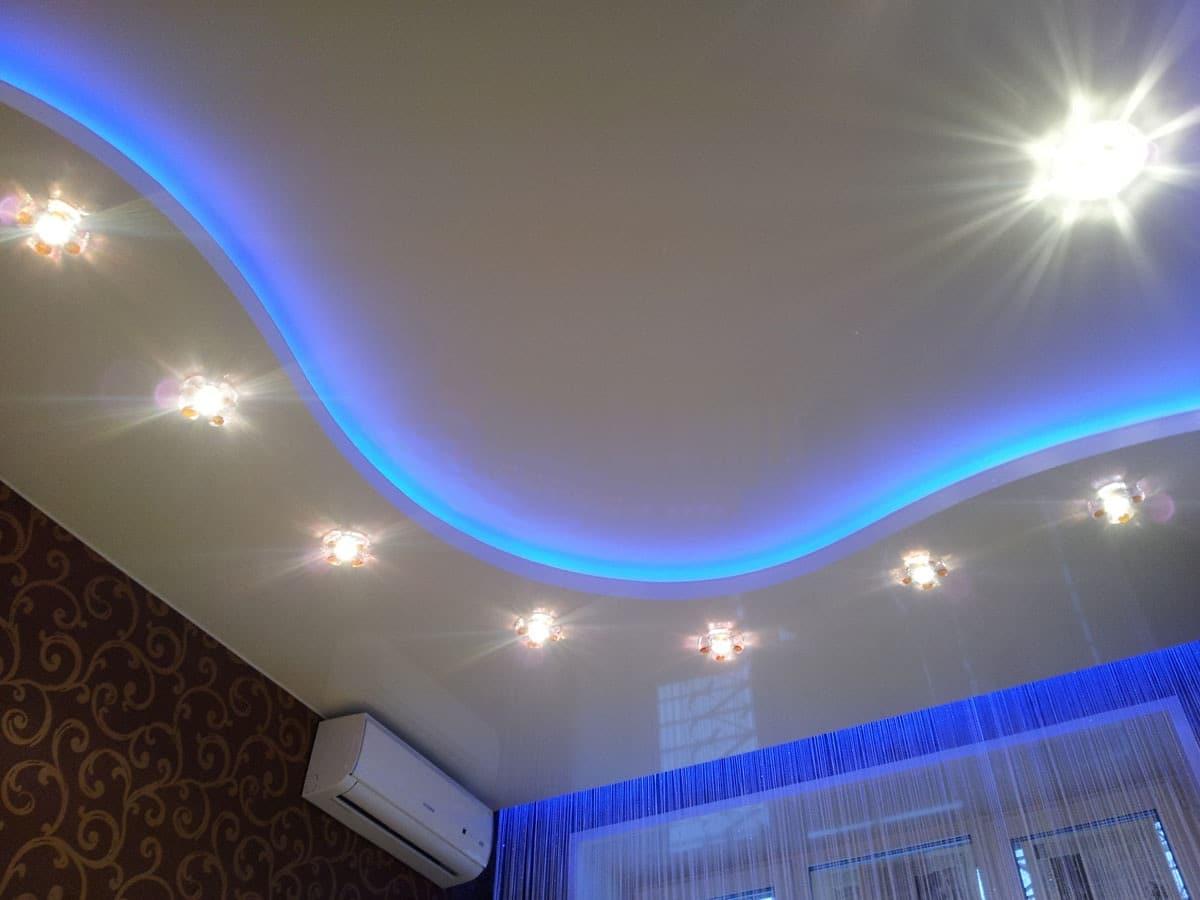 Установка светодиодной ленты на потолок своими руками видео, фото расчеты