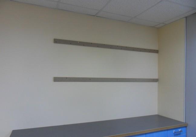 Как и на что повесить кухонные шкафы на стену?