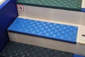Коврики для лестницы на липучках