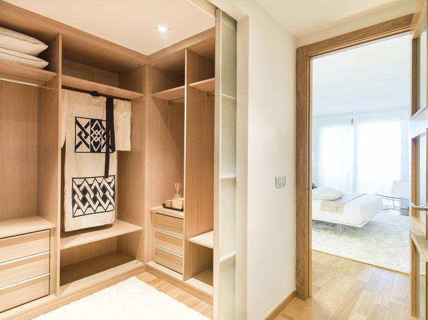 Гардеробная в спальне: фото дизайна, шкаф из гипсокартона, встроенная в маленькой, зона за кроватью, дверь в отдельную гардеробная в спальне: 10 идей по воплощению проекта – дизайн интерьера и ремонт квартиры своими руками