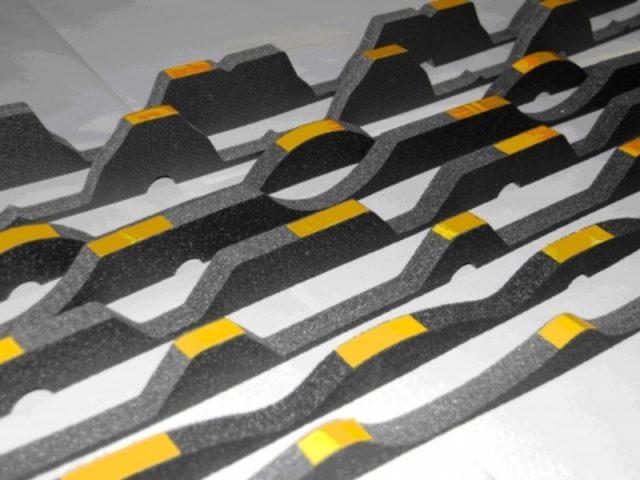 Вентилируемый конек для металлочерепицы: устройство и монтаж