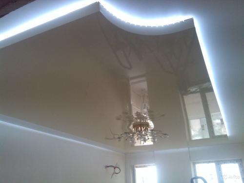 Парящий потолок из гипсокартона с подсветкой: подшивной и скрытый своими руками
