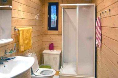 Как сделать ванную и санузел в каркасном доме своими руками: пошаговая инструкция- гидроизоляция пола и отделка стен +видео