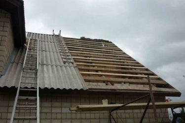 Монтаж шифера на крышу: способы укладки и особенности