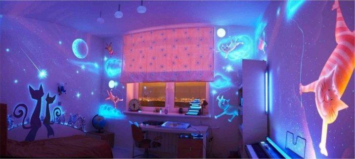 Особенности и варианты применения светящихся обоев для стен