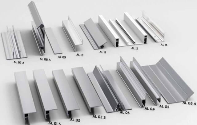 Багеты для потолка (42 фото): размеры изделий для подвесного потолка, широкие полиуретановые багеты и из пенопласта и в чём их отличие от пластиковых плинтусов