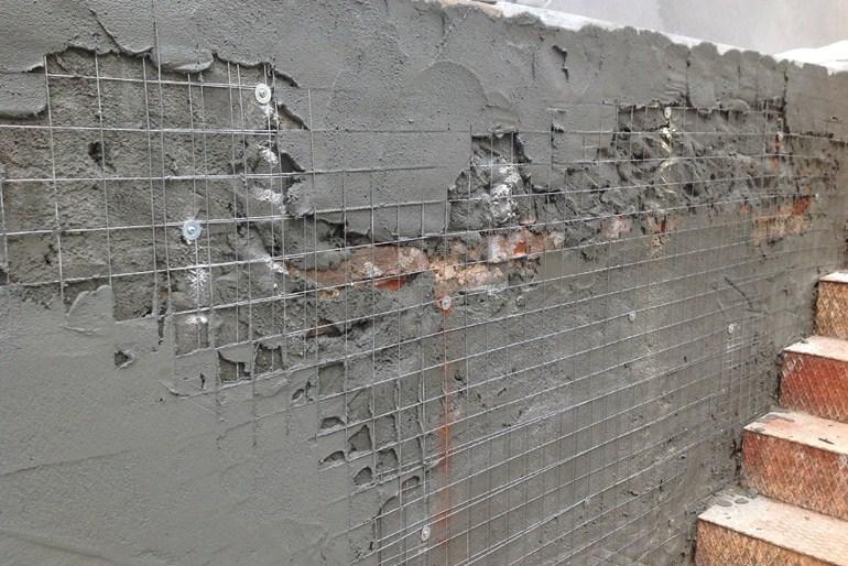 Все о штукатурке цементным раствором: характеристики, приготовление, нанесение