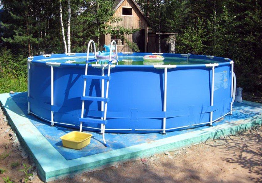 Подиум для каркасного бассейна своими руками: как построить помост из дерева, поддонов, палубу на стойках из труб, из террасной доски, фото, видео