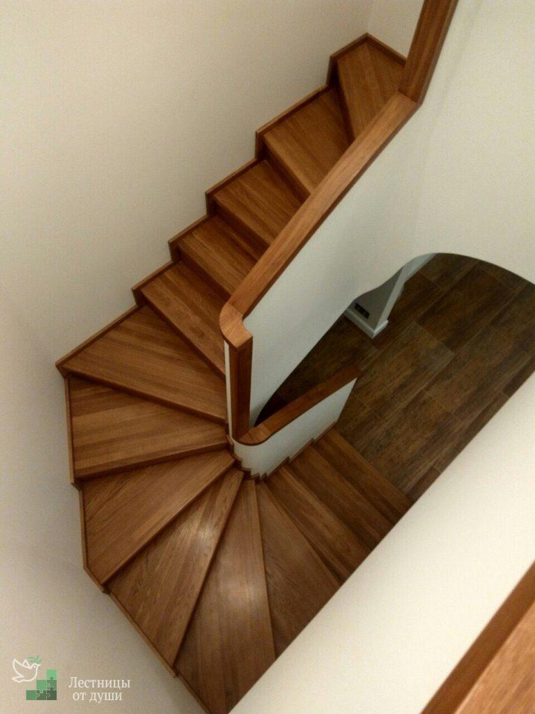 Облицовка деревом лестницы из бетона