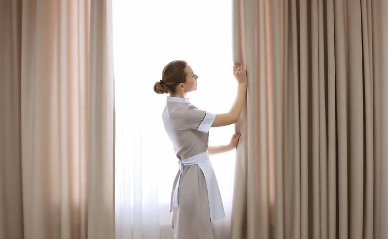 Химчистка штор: на дому с выездом, плюсы, варианты