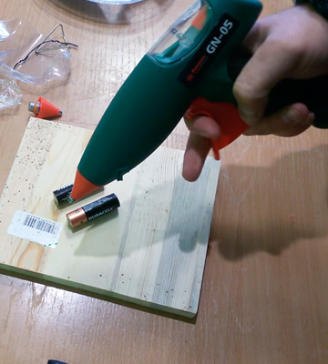 Как пользоваться клеевым пистолетом для рукоделия: как работает термопистолет (инструкция с видео), что можно клеить, как поменять стержни
